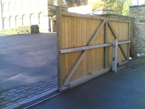 Electric Sliding Gates